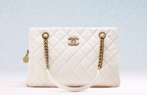 chanel-cruise-2013-handbags-6